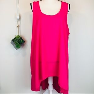Fit to Fashion Hot Pink hi lo key hole back tunic
